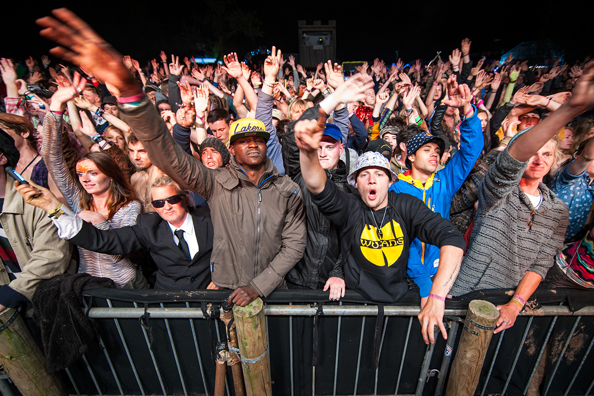 The crowd for De La Soul performing on the Orchard stage at Nozstock 2015