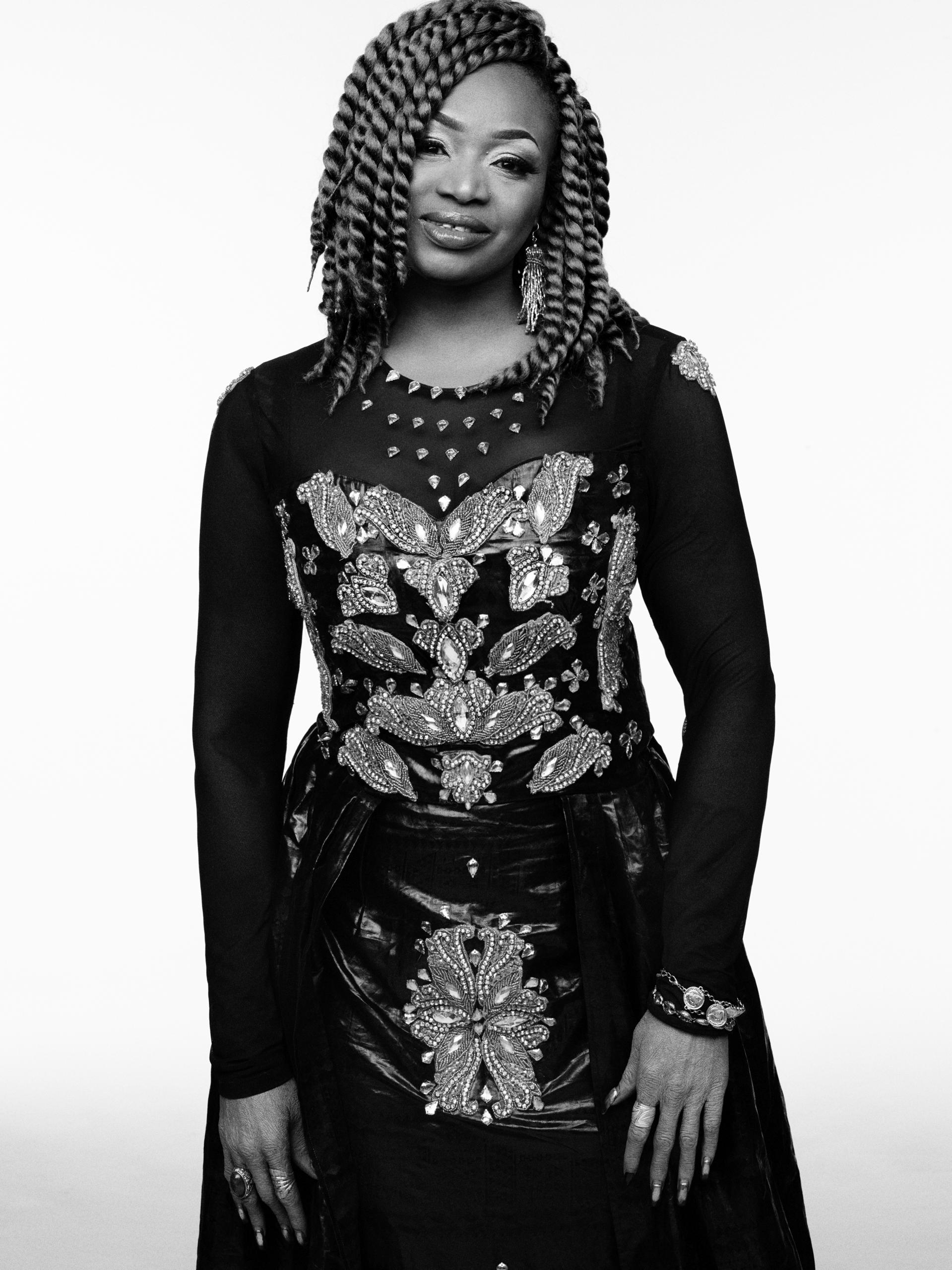 oumou-black-and-white-small-credit-benoit-peverelli-0000